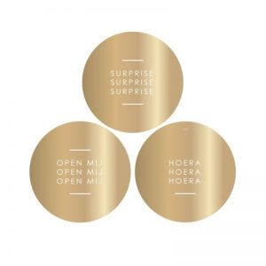 gold-gouden-open-mij-hoera-surprisecadeau-stickers-house-of-products