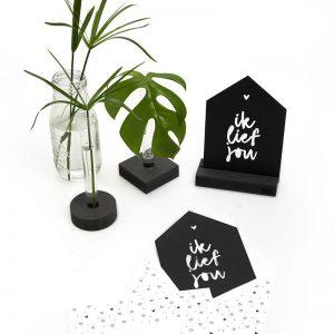 zwarte-kaart-ik lief-jou-met-bedrukte-envelop-zoedt