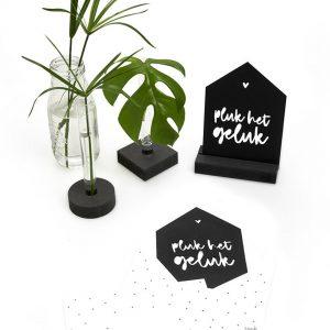 zwarte-kaart-huisje-'pluk-het-geluk'-met-bedrukte-envelop-zoedt