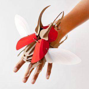 assembli-atlas-beetle-kever-robijn-rood