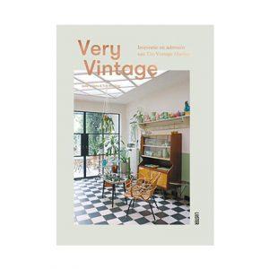 very-vintage-uitgeverij-luster-lifestyle
