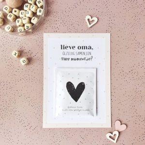 lieve-oma-gezellig-samen-een-thee-momentje-miek-in-vorm